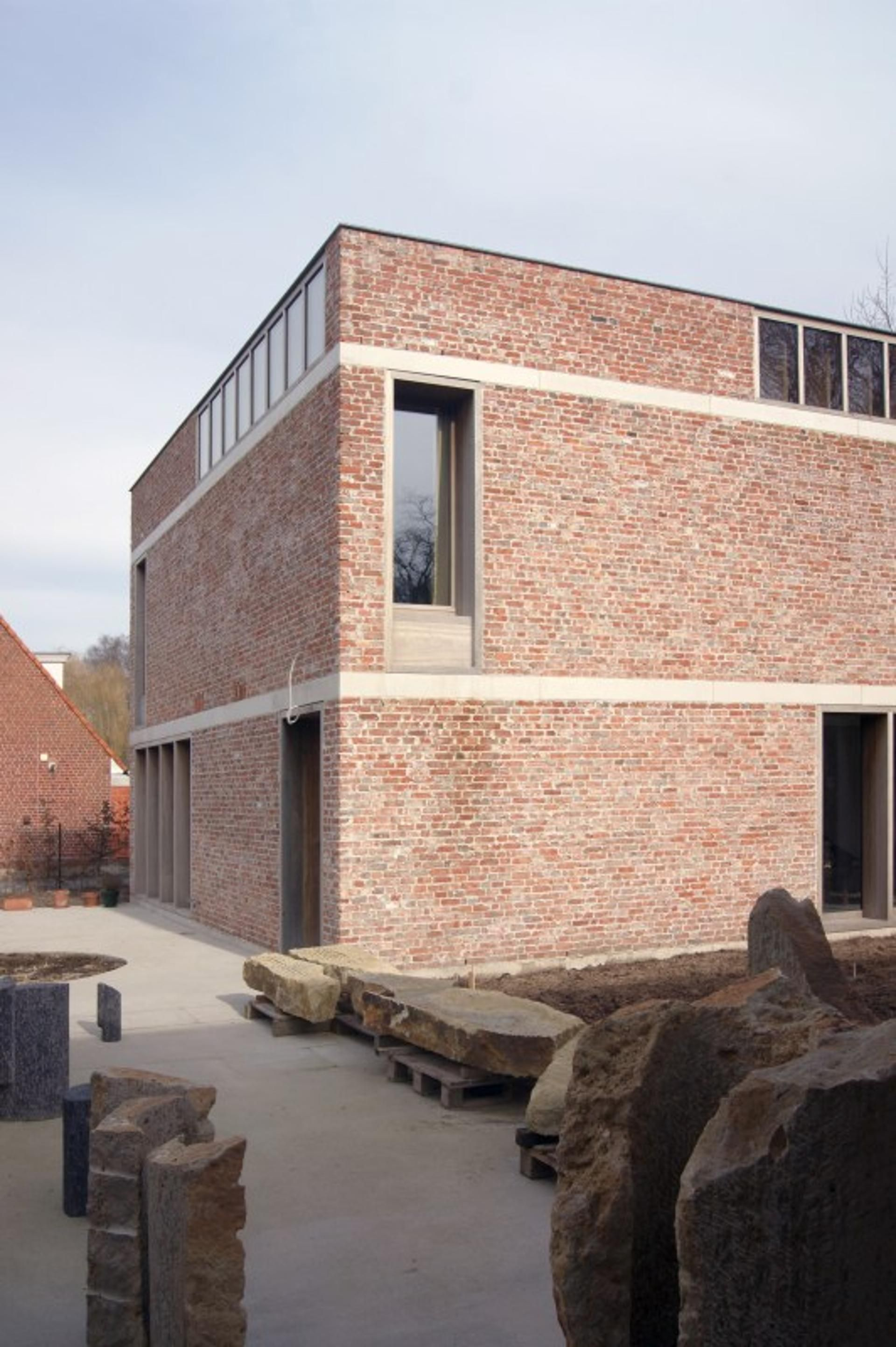 House and workshop for an artist Belgium