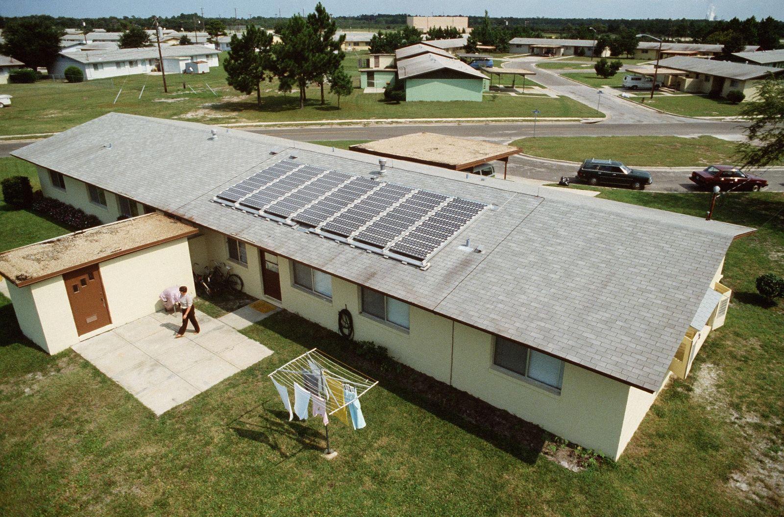 Solar Panel Cost Best Solar Panels Green Energy Solar Advantages Of Solar Energy