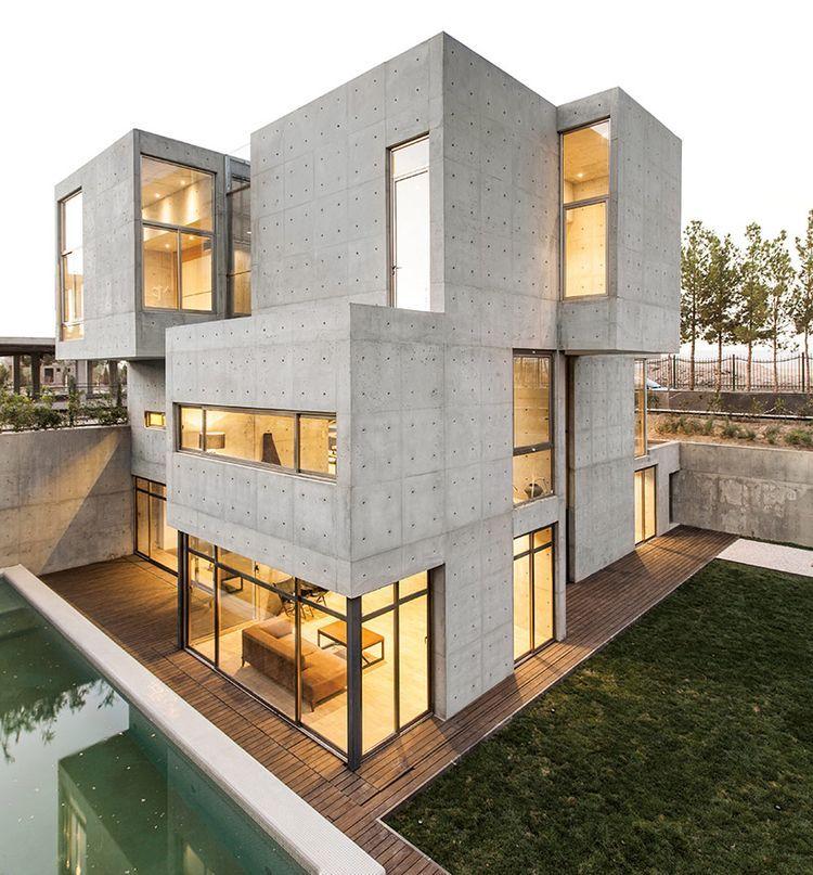 bracket design studio completes concrete villa 131 (Designboom - designer betonmoebel innen aussen
