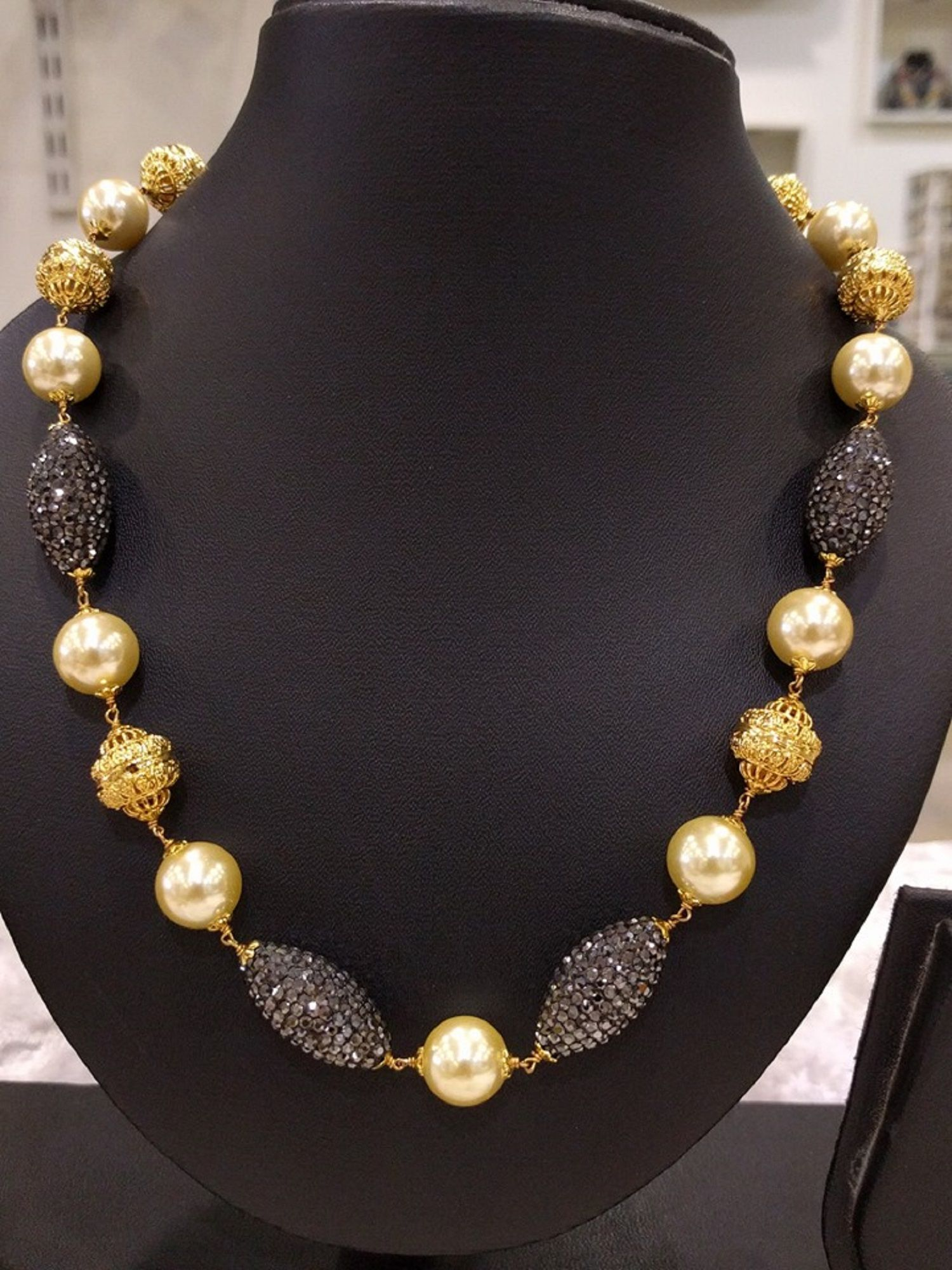 Simple & Beautiful Beads Necklace with Pearls (1gm Gold