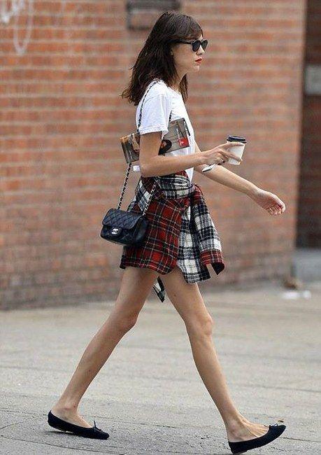 85eeafee52a4 Chanel Classic Mini Flap Bag Photograph   ╬Street Fashion╬   Alexa ...