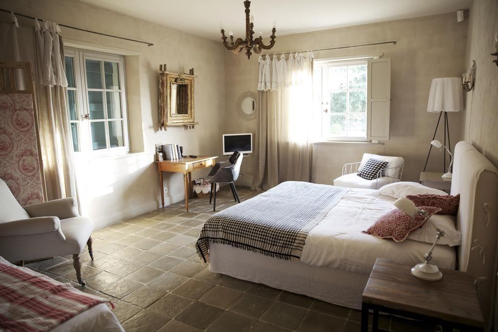 L Ete Approche A Grand Pas Et Vous Aimeriez Profiter De Vos Vacances Dans L Un Des Villages Les Plus Prises Du Pays Basque Decouvre In 2020 Home Decor Home Furniture