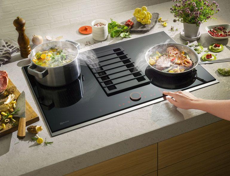 Proyecto En Castelnovo Cocina Comedor Con Isla Central Y Extractor De Humos Plano Integrado En Techo Diseno Entrecuines Mueble Kitchen Home Decor Home