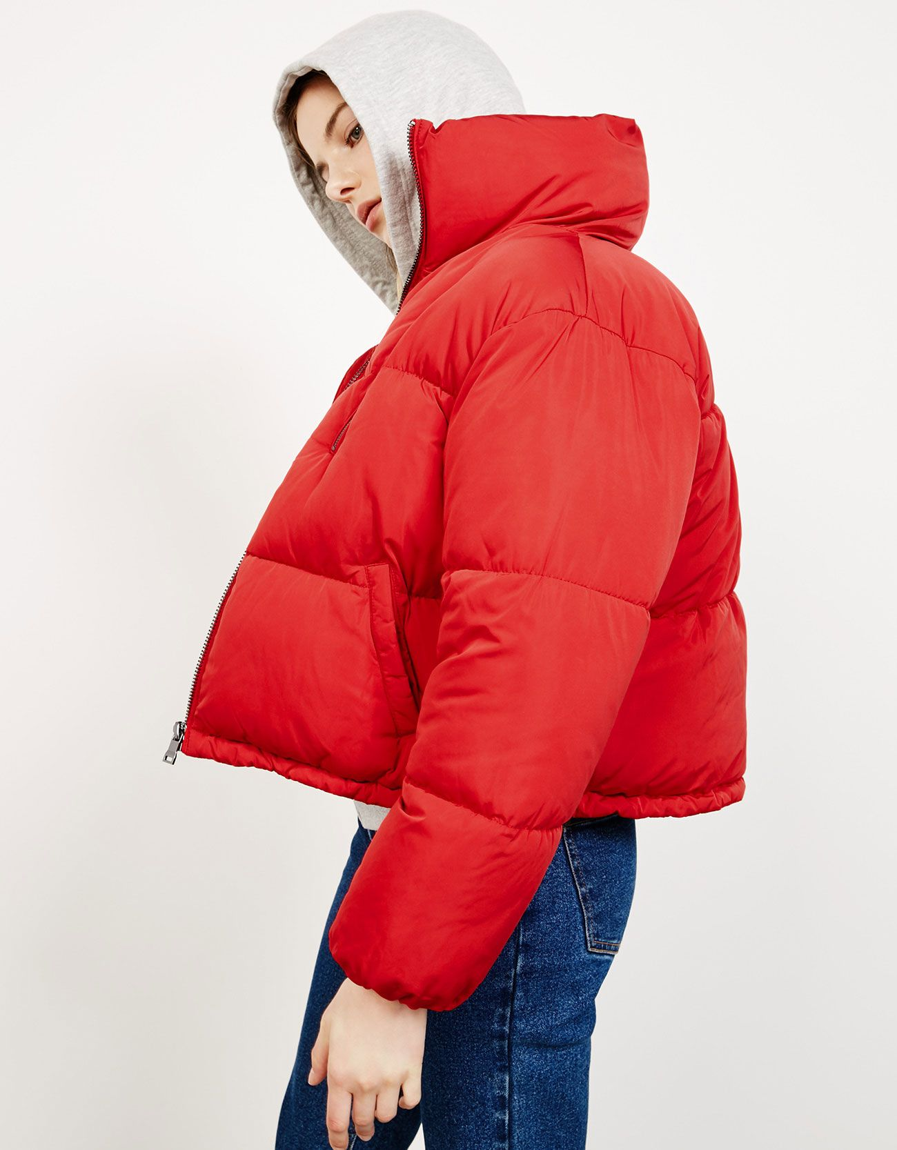 Puffy Cropped Quilted Jacket Discover This And Many More Items In Bershka With New Products Every Week Puffer Jacket Outfit Chilly Day Outfit Quilted Jacket [ 1667 x 1300 Pixel ]