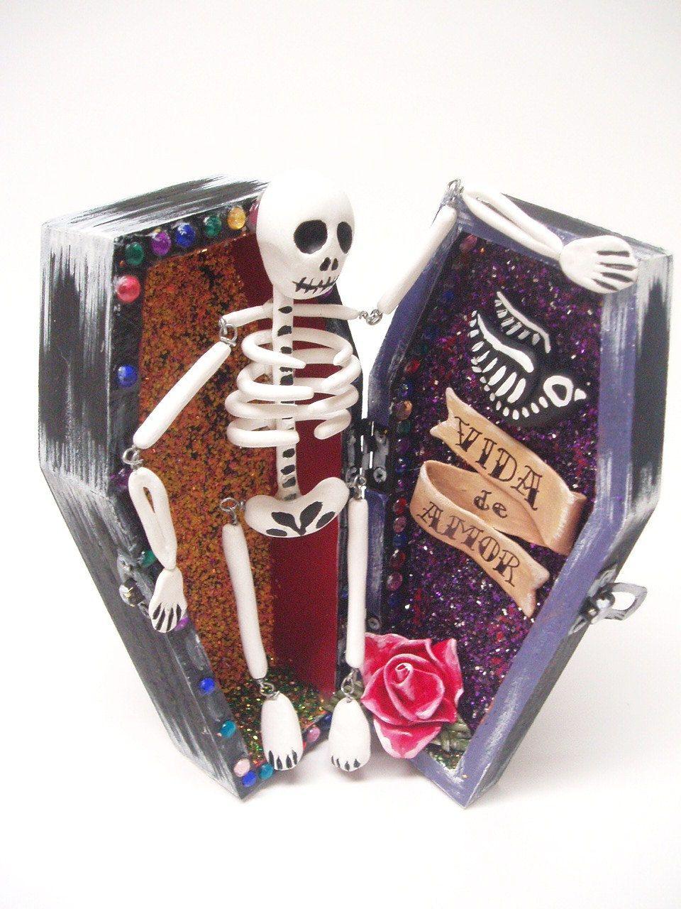 Dia de los Muertos clay figurine Mexican Folk Art - Vida de Amor