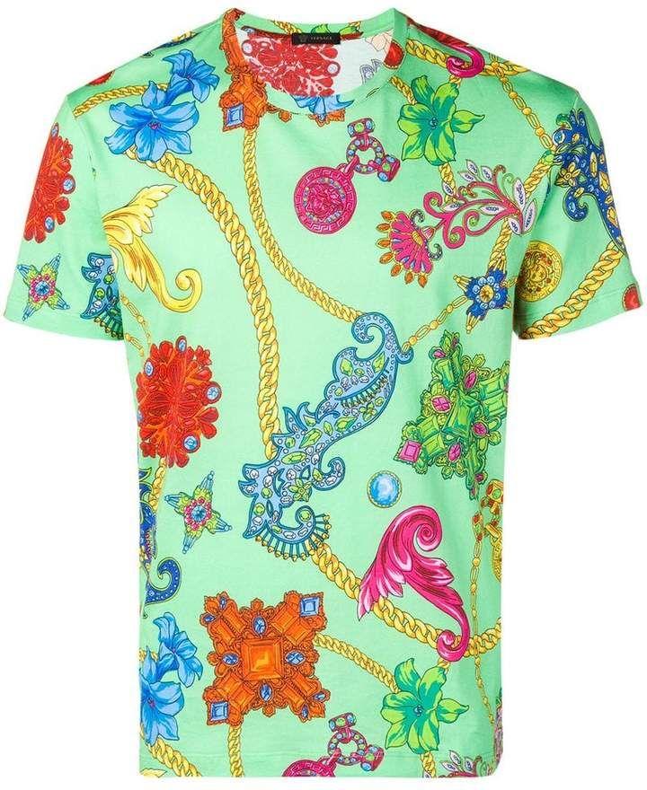 d7d7539219 Versace baroque print T-shirt | Products en 2019 | Versace, Fashion ...