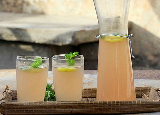 Needed Ingredients: 1 teaspoon ginger 1 teaspoon hot peppers 1 tablespoon maple syrup 2 tablespoons lemon juice 300ml water  You need to mix all the ingredients together in a blender and you have your drink. The best time to consume this potion is in the evening before going to bed. Boost your metabolism with …