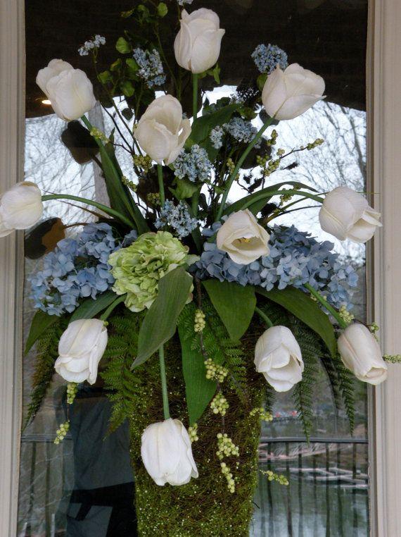Frontdoorfloralarrangementwallpocketbyallseasoncreations