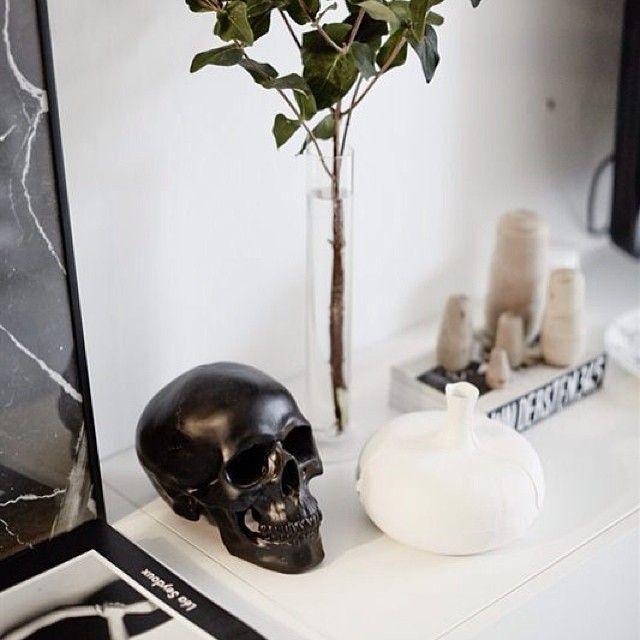 #home #homedecor #decor #interior #interiordesign #eames #designclassic #ikea #boconcept #svenskttenn #svartochvitt #matplats #betong #betongbord #marble #marmor #hay #stockholm #brass #mässing #inredning #interiör #heminteriör #stockholm #sweden #design #jielde #blackandwhite #sweden The post #home #homedecor #decor #interior #interiordesign #eames #designclassic #ikea #b… appeared first on BlinkBox.