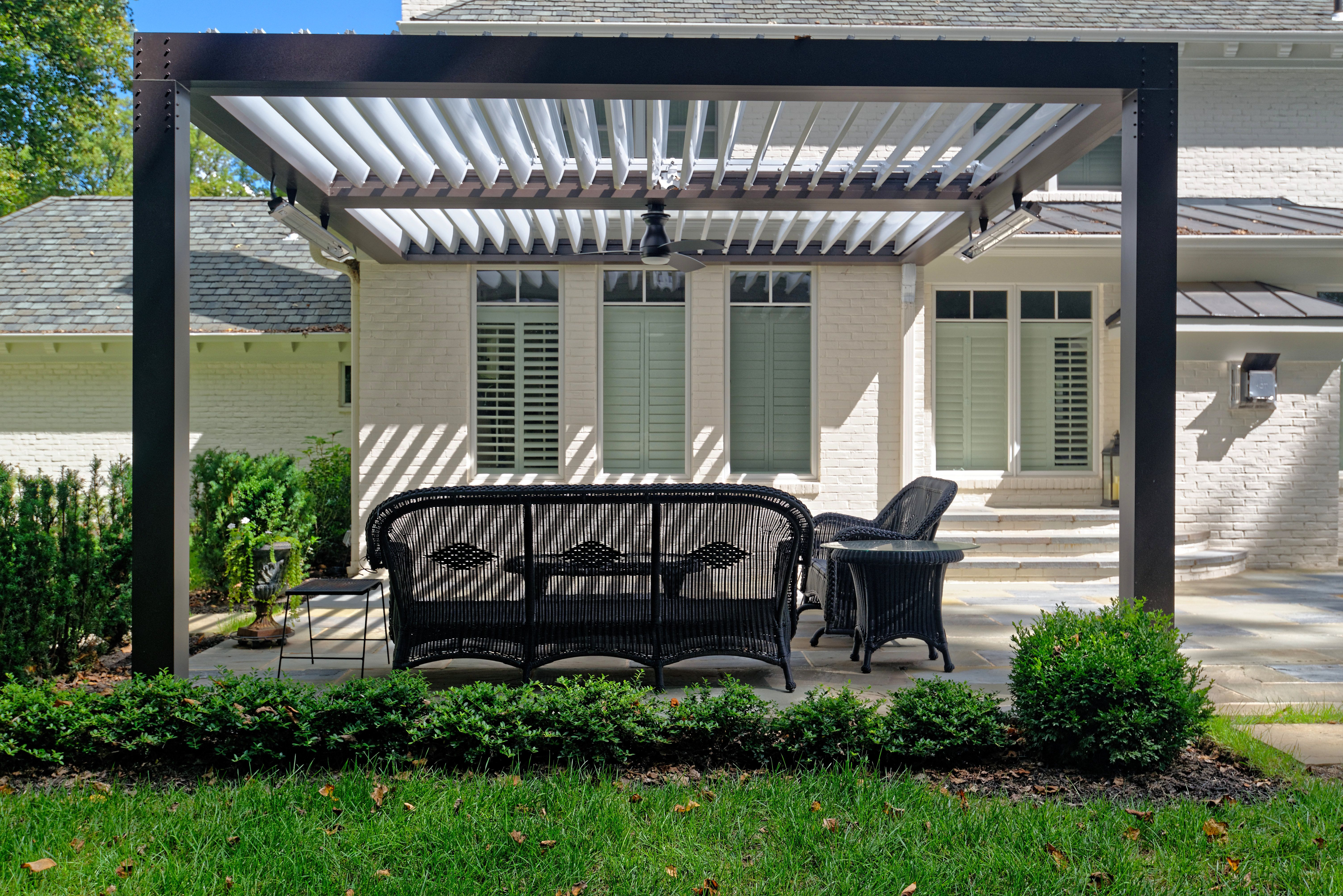 Here S An Innovative Patio Cover It S Just As Pretty As A Pergola