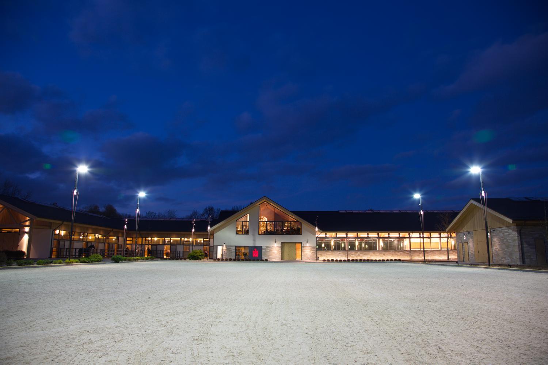 Hofgut Rosenau Gmbh Bildergalerie In 2020 Hof Reitanlage Pferdehof