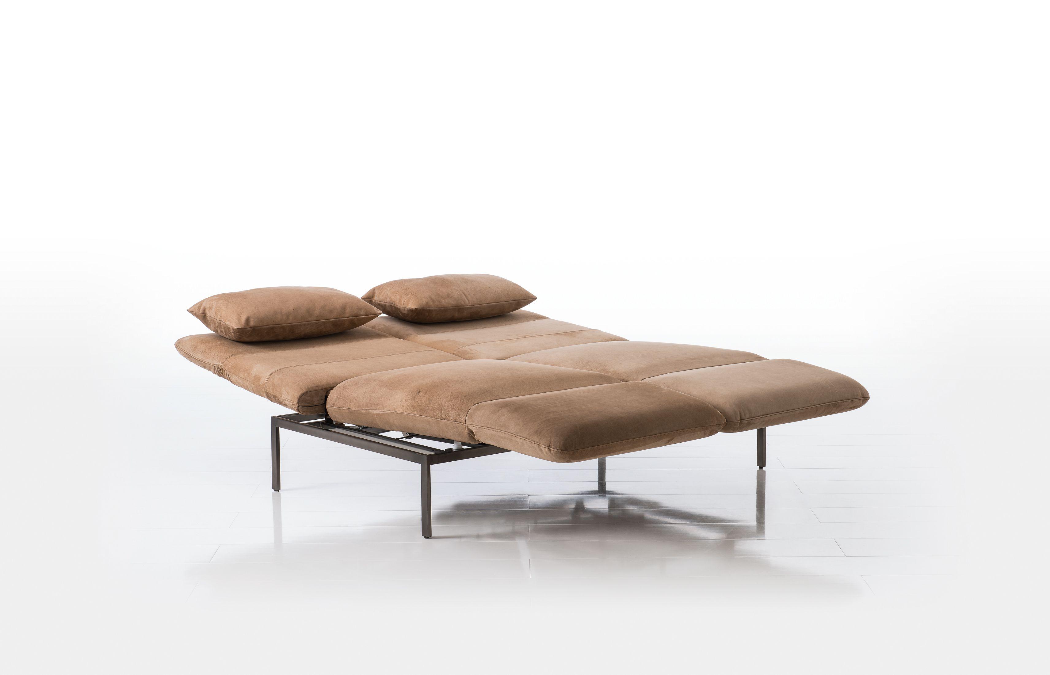 Roro von Brühl in Schlaffunktion Relaxsofa