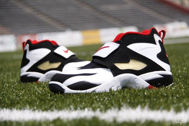 sale retailer c1c31 92078 THE BEST DEION SANDERS SHOES OF ALL TIME Nike Air Diamond Turf