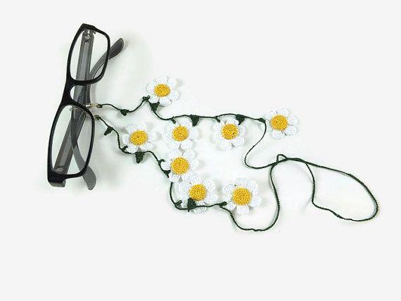 White Daisy Flowers  Crochet Dark Green  Eye Glass by Nakkashe