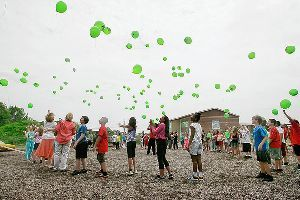 Family, classmates launch balloons in Jaiden's memory | ThisWeek Community News