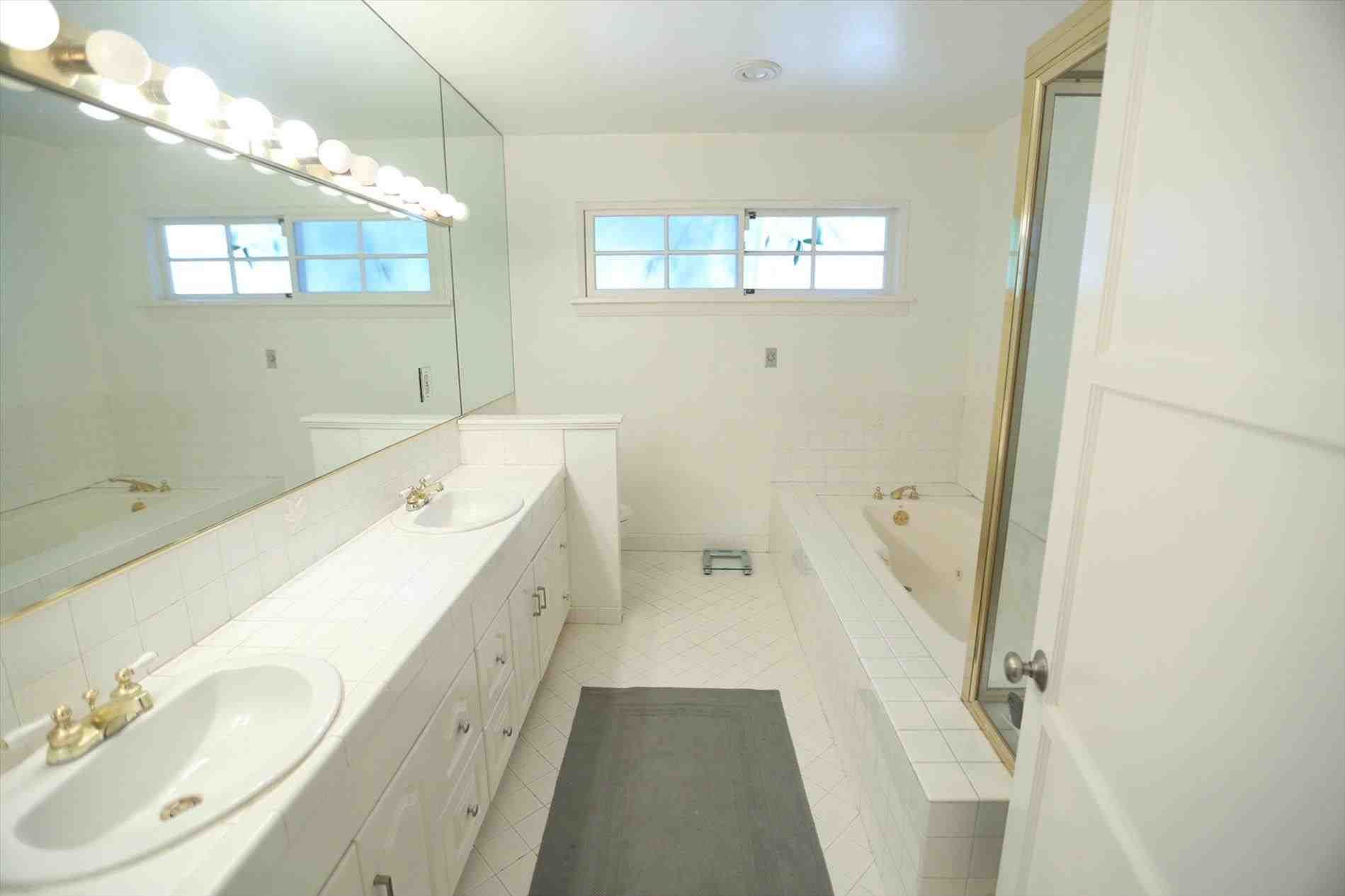 This modern bathroom remodel before and after - simple modern small ...