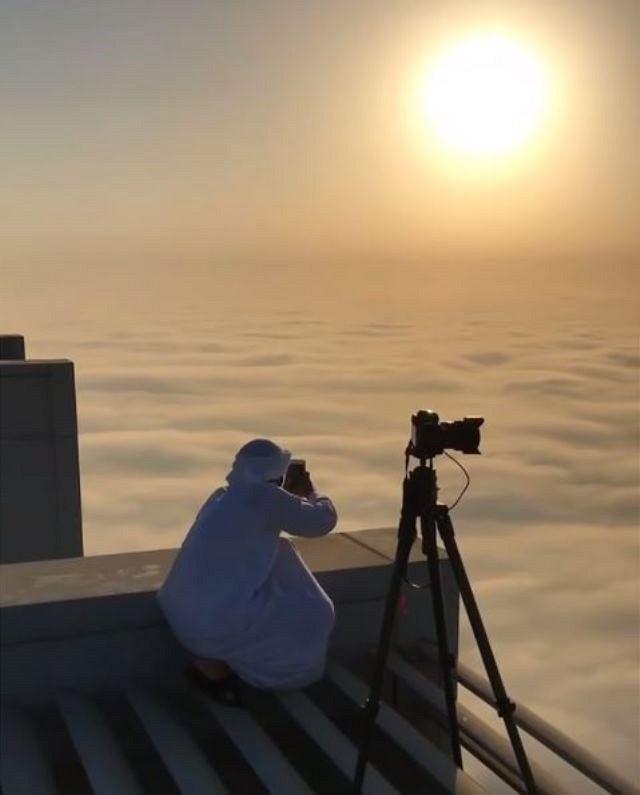 Aby Dubajsky Princ Fazza Vyfotografoval Milovane Mesta Za Svitani Vysplhal Na Nejvyssi Mrakodrap Sveta Burdz Cha Cloud City My Prince Charming Prince Mohammed