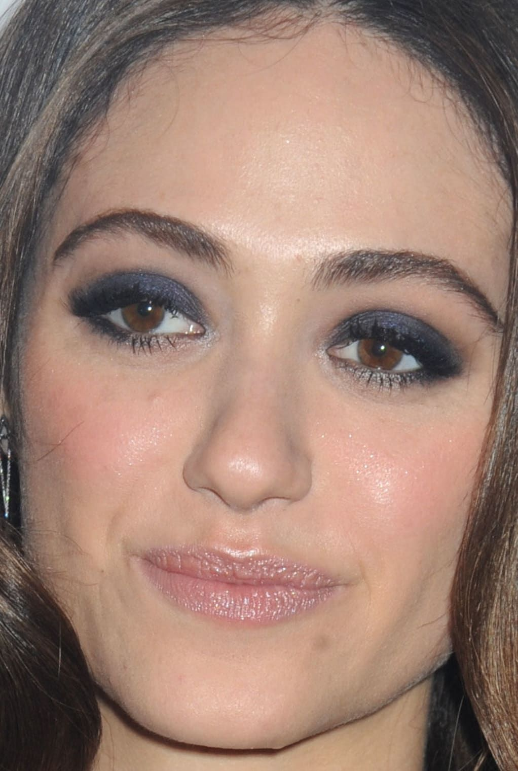 Photo of From Pink Lipstick to Peach Blush: 15 of the Best Skin, Hair and Makeup Looks La…