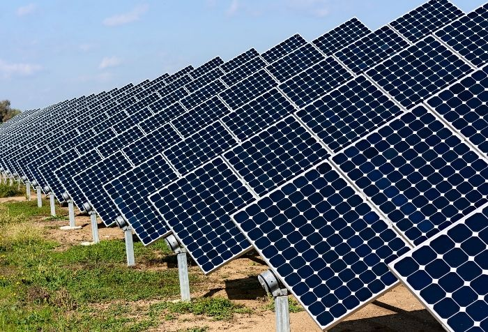 From The Realization Of Solar Power Plants Each With A Capacity To Produce 100mw General Electric Is Spearheading The Co Solar Power Plant Solar Panels Solar