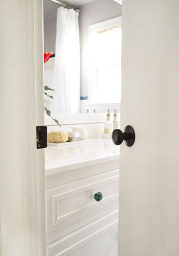 How To Upgrade Your Old Brass Door Knobs With Spray Paint Spray