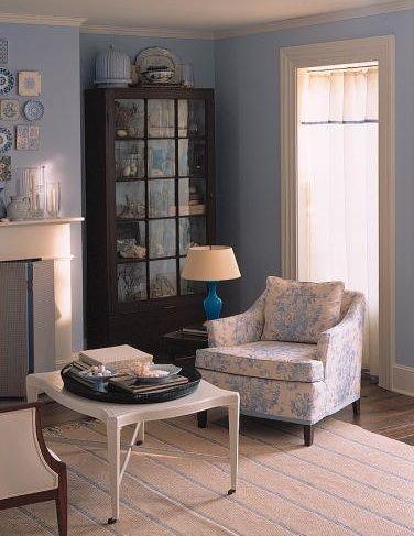 blue toile chair (Martha Stewart Living, September 2000)
