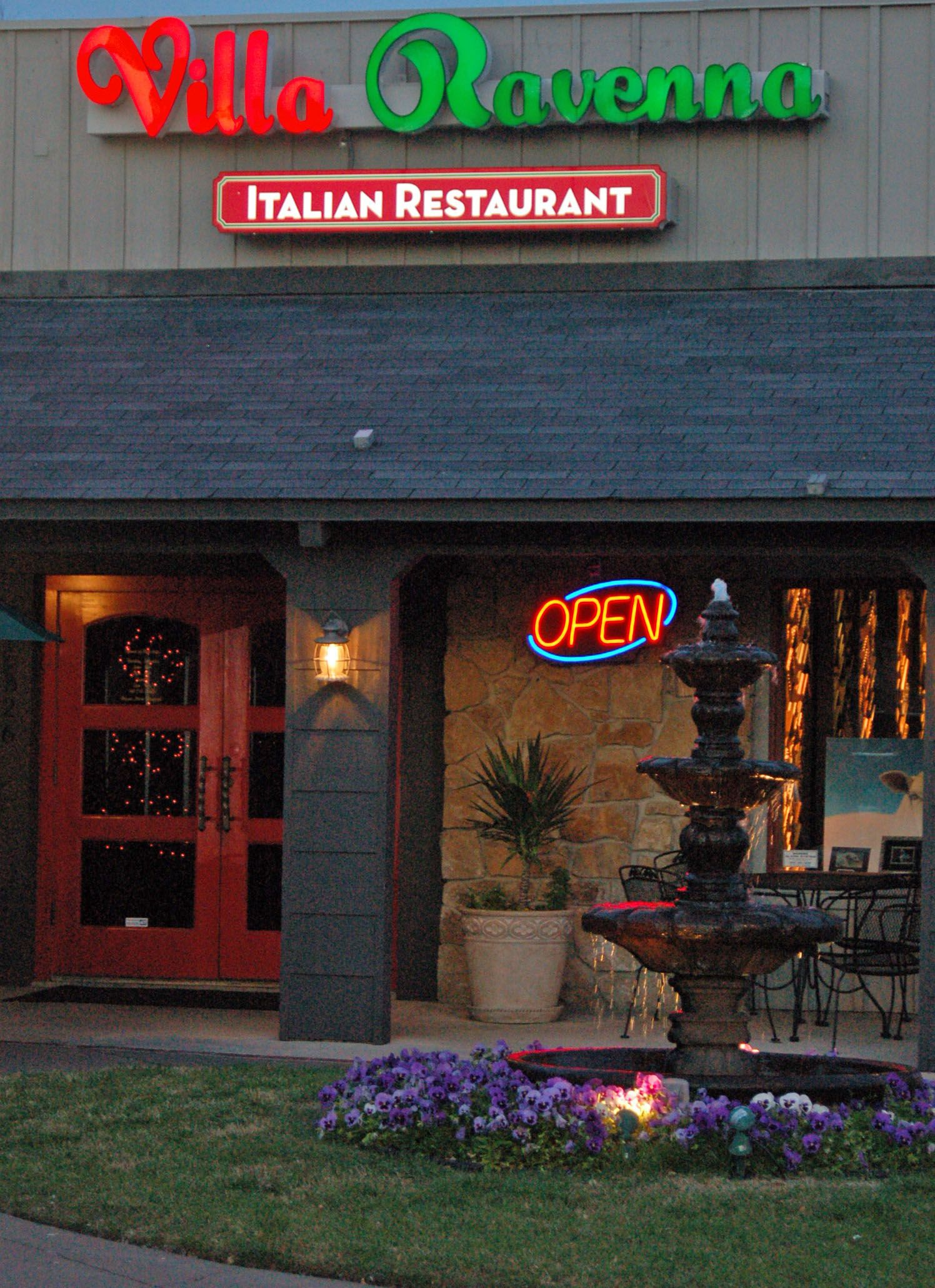 Villa Ravenna Italian Restaurant In Tulsa Ok Amazing Authentic Food Vip Limo Serving Oklahoma City And Surrounding Communities