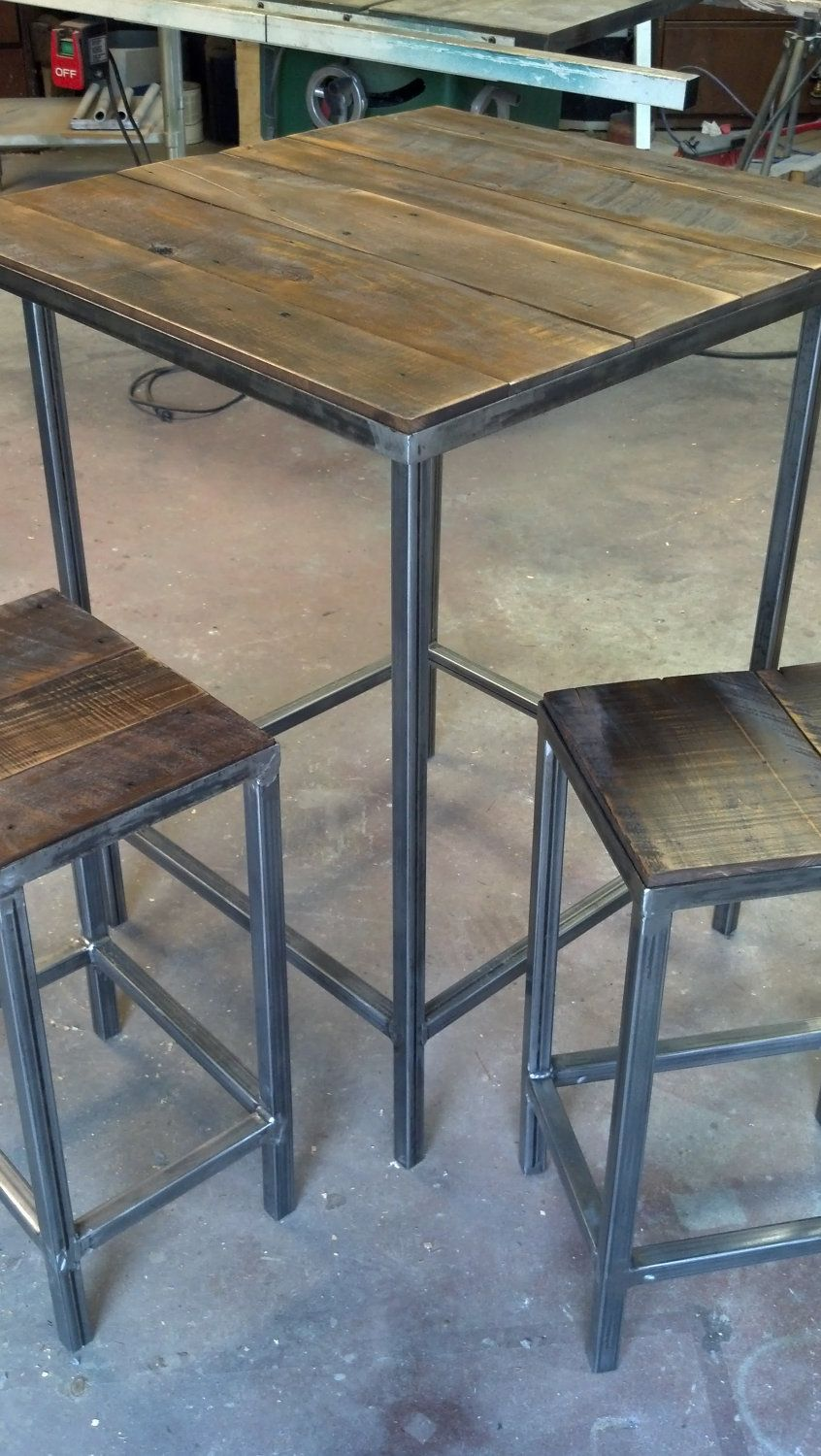 table mange debout et tabouret en m tal et bois recycl diy pinterest table mange debout. Black Bedroom Furniture Sets. Home Design Ideas