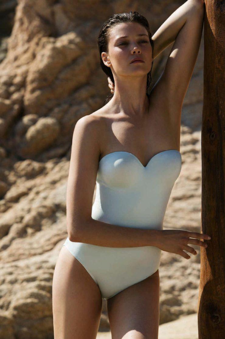 Diana Moldovan by Darren McDonald for Harper's Bazaar Australia January February 2016