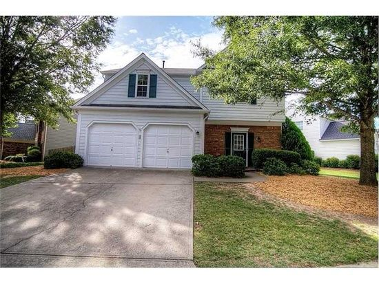 1050 Lyndhurst Way Roswell Ga 30075 Zillow Selling Real