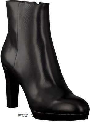 Schwarze Plateau Heels für einen edlen Look | Mode | Boots