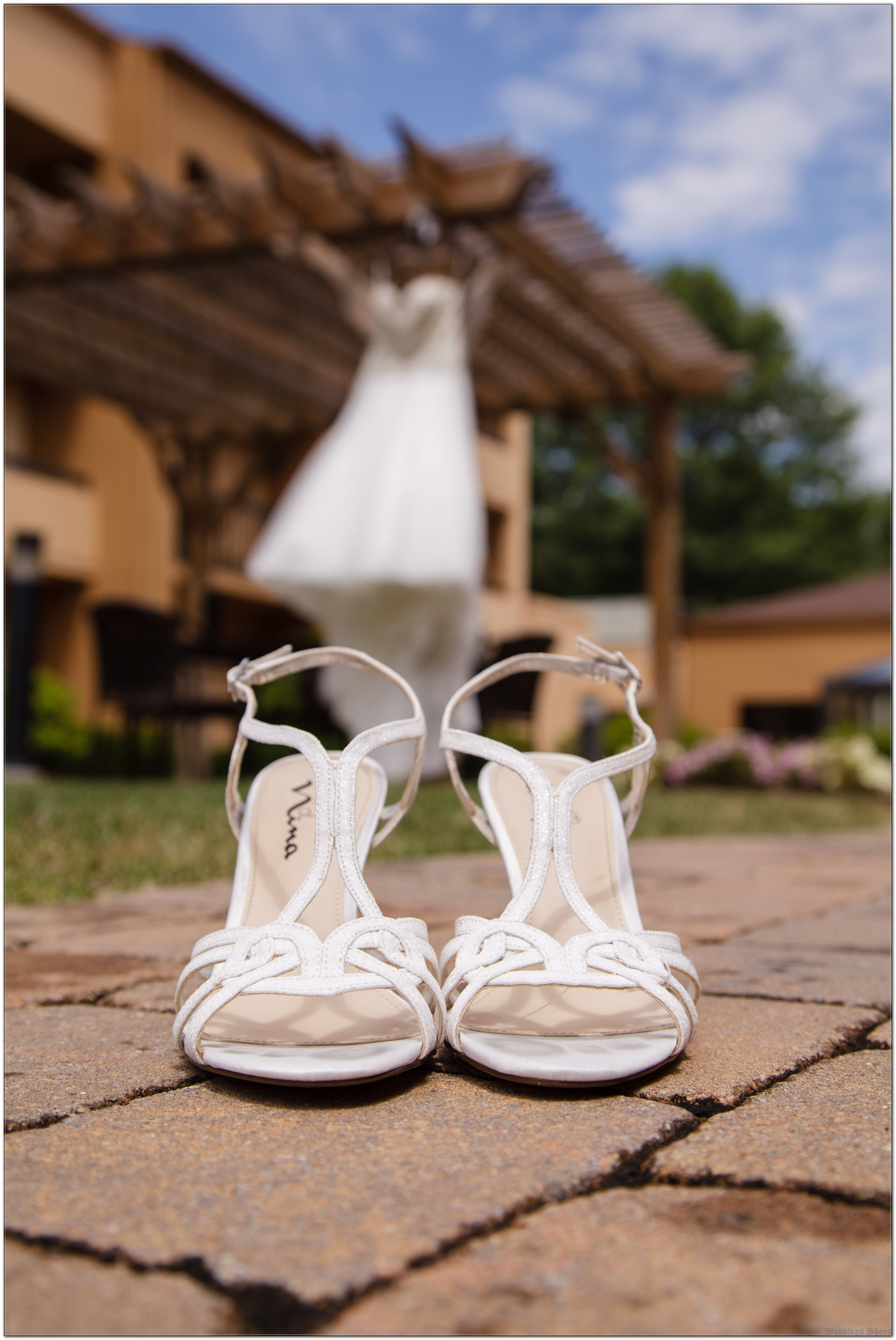 3 Mistakes In Wedding Shoes That Make You Look Dumb