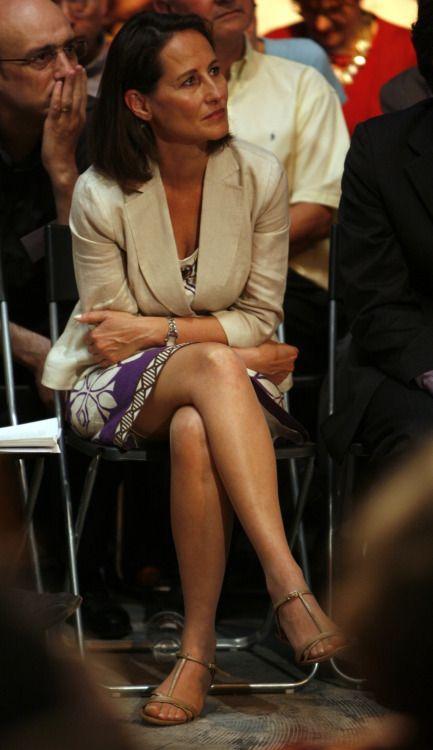 Francoski socialistični minister Sgolne Royal nosi gole hlače-4448
