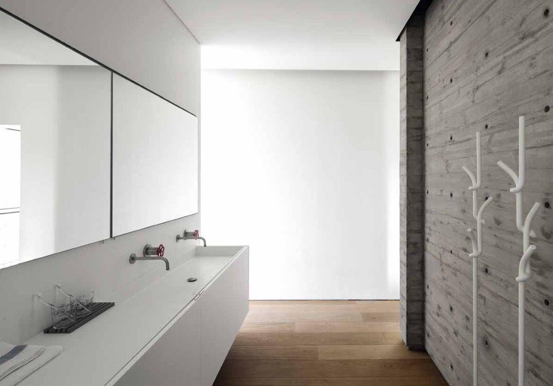Boffi ZONE / Mobili Cabinets PIPE / Rubinetti Taps ZONE / Specchio con Contenitore Mirror with Cabinet