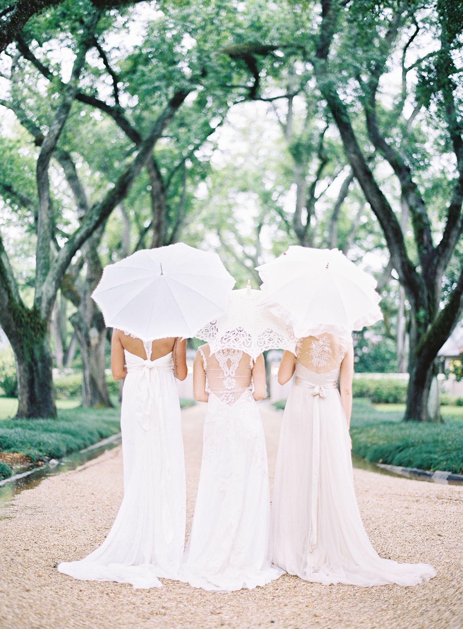 Brides with Parasols | Classic weddings, Mariage and Wedding