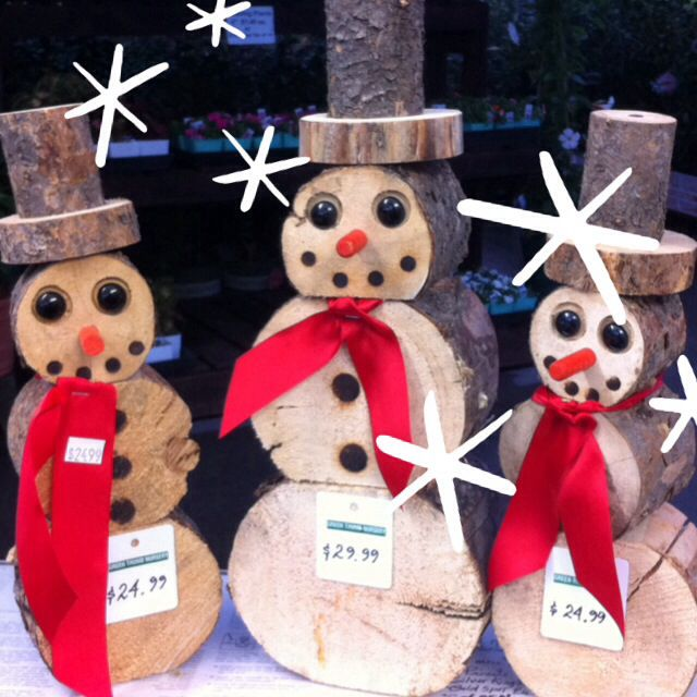 Natural wooden Snowmen ... Minus the ribbons and faces