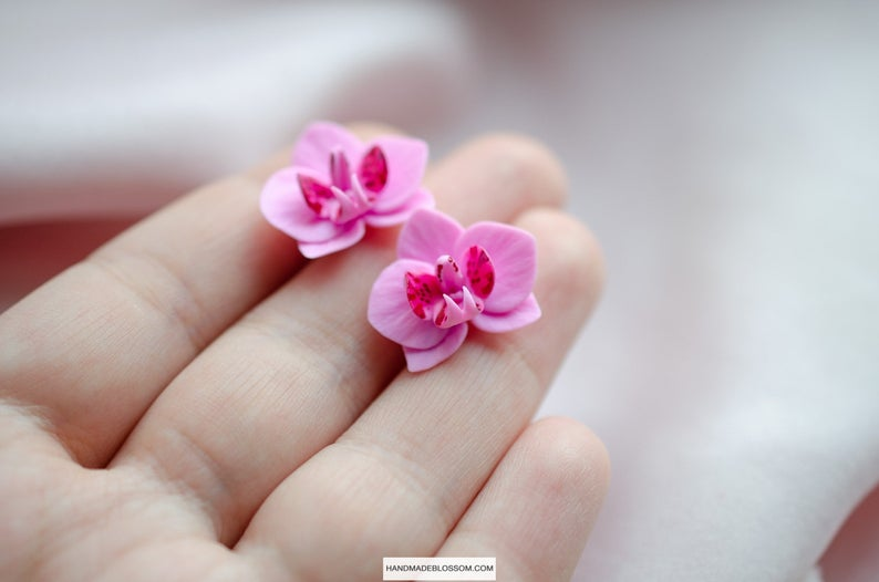 Pink Orchid Stud Earrings Flower Studs Phalaenopsis Pink Etsy In 2020 Flower Studs Stud Earrings Lilac Earrings
