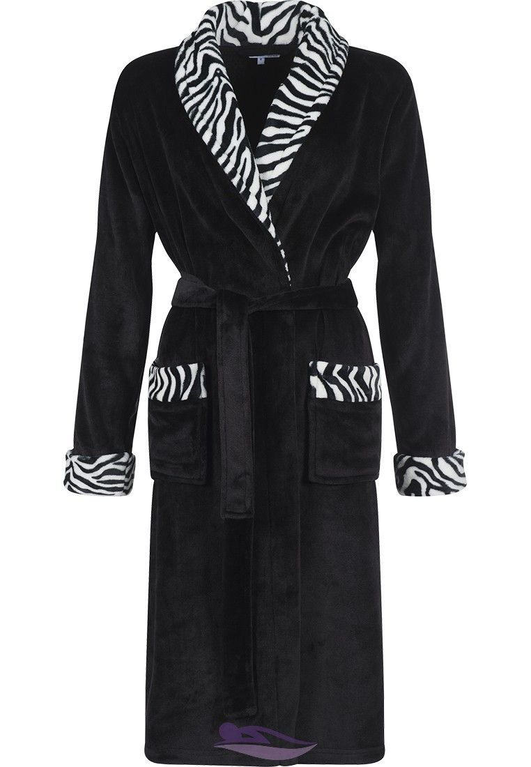 Feel warm   snug in this stylish Pastunette  zebra print  soft fleece  morninggown with belt 98986ee1a