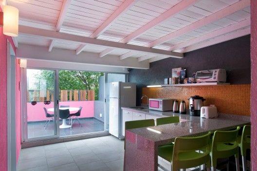 Hostal La Buena Vida / ARCO Arquitectura Contemporánea