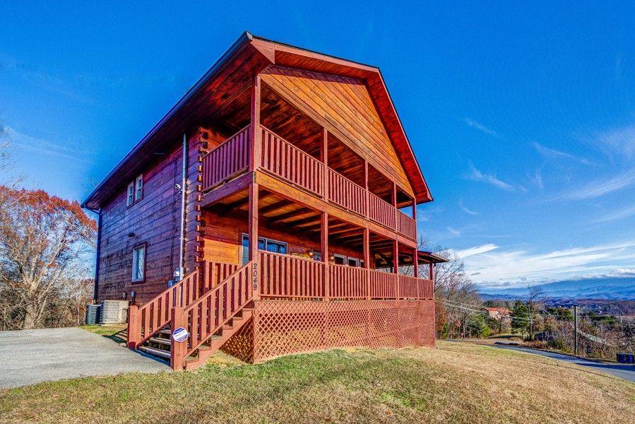 Deer Lodge Cabin, Cabins in the smokies, Pigeon cabins