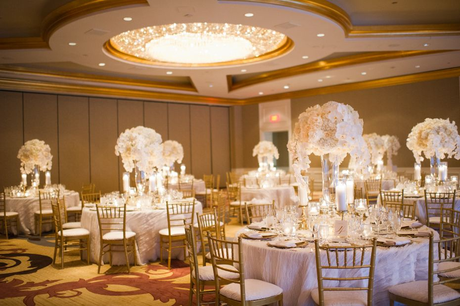 ballroom wedding at four seasons atlanta photo by the studio b photography decor by jade lee. Black Bedroom Furniture Sets. Home Design Ideas