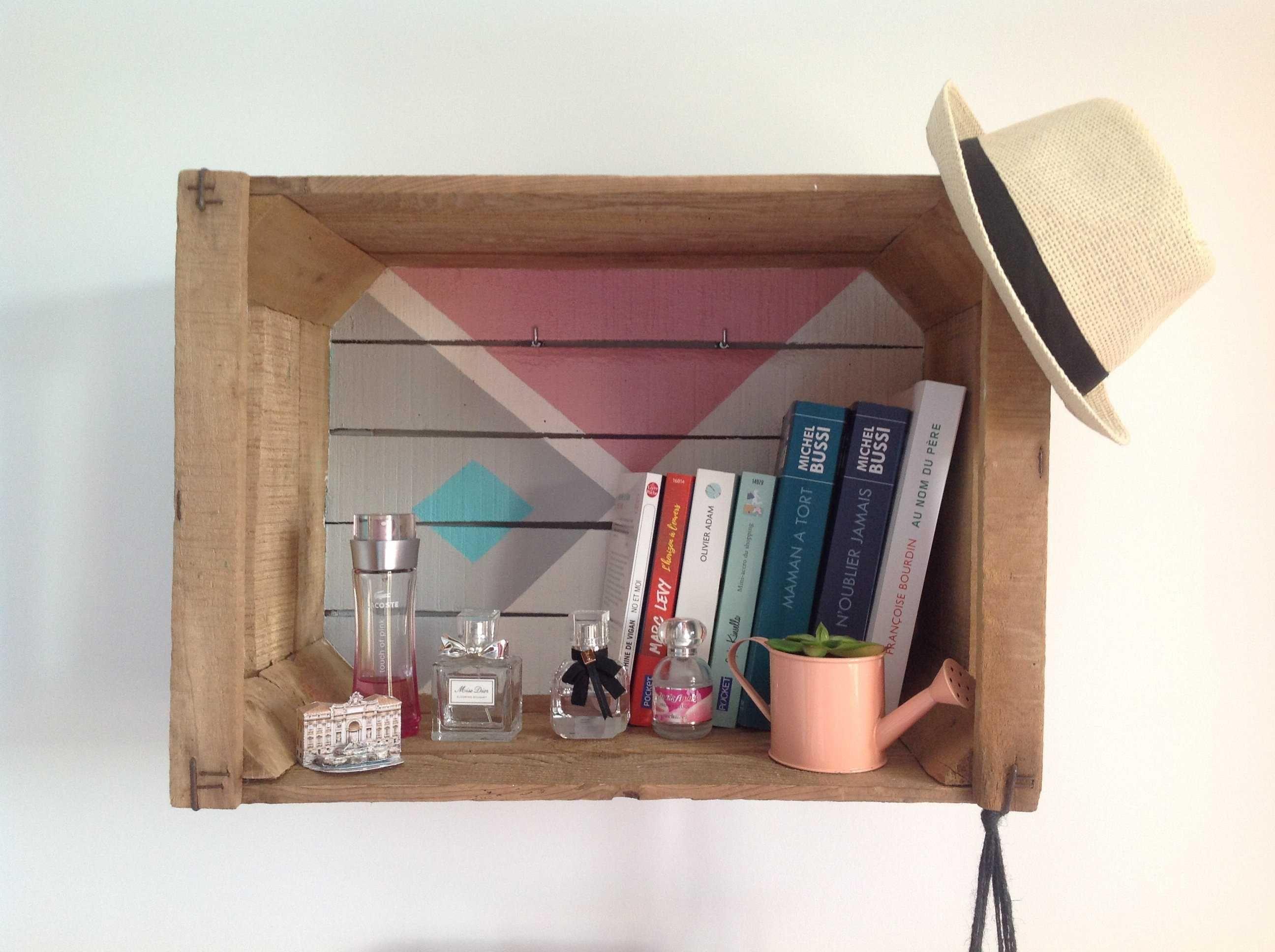 diy transfomer une vieille cagette de pommes en tag re. Black Bedroom Furniture Sets. Home Design Ideas