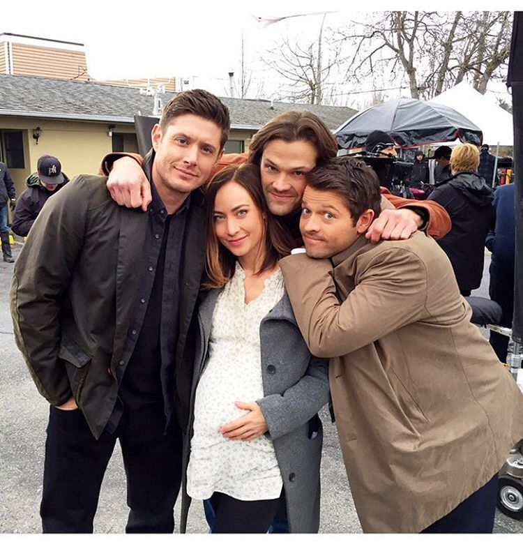 Pin By Cyndi Paredes On Sam Dean Supernatural Bloopers