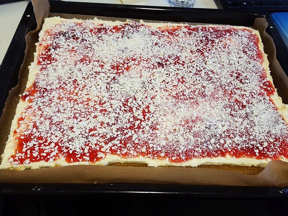 Spaghettieis Kuchen Rezept In 2020 Spaghetti Eis Eiskuchen Spaghettikuchen