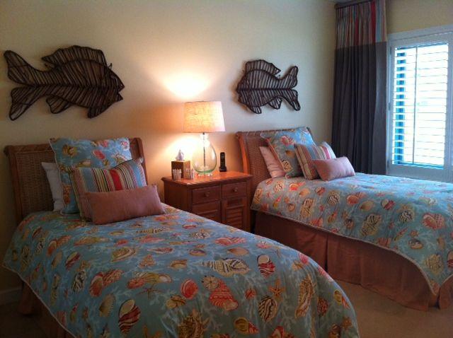 Coastal Twin Room By Lindsay Miller Of Lovelace Interiors Destin Florida Lindsaymillerinteriordesign