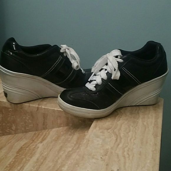 465c91333810 SOLD ON M Skechers wedge tennis shoes Very cool two tone black with a white  wedge. A very comfortable shoe. Still have alot of life left in them.