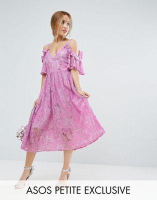 PETITE – Midikleid aus Spitze in Rosa mit Ösen | Fashion: kurze ...