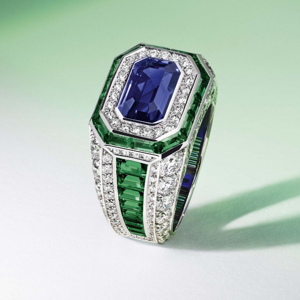 Louis Vuitton Riders Of The Knights Diamond Emerald And Sapphire Ring Jewelry Images High Jewelry Antique Jewelry