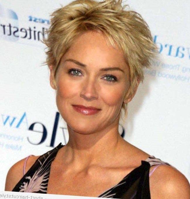 22+ Coiffure courte blonde 50 ans inspiration