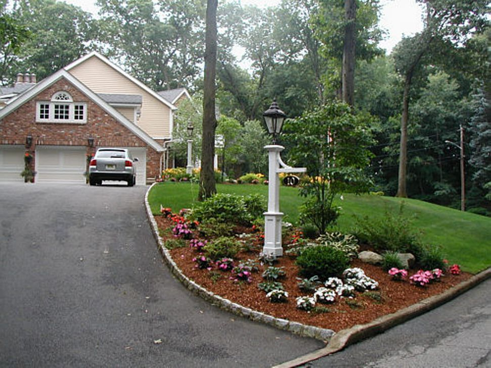 Image Of Driveway Landscape Ideas For Slopes Landscaping Entrance Driveway Entrance Landscaping Backyard Landscaping