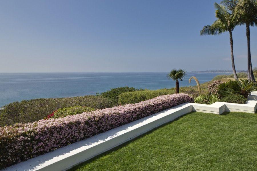 The best bluff home for sale in Malibu, 24860 Pacific Coast Highway, Malibu, CA - page: 1